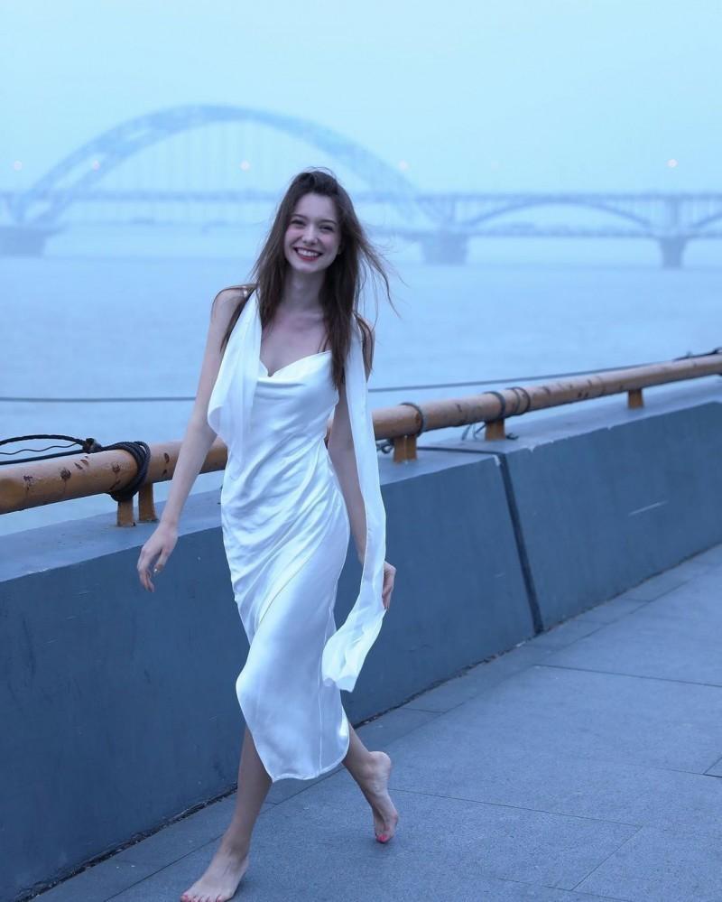 【波多野结衣】Anastasia Cebulska 