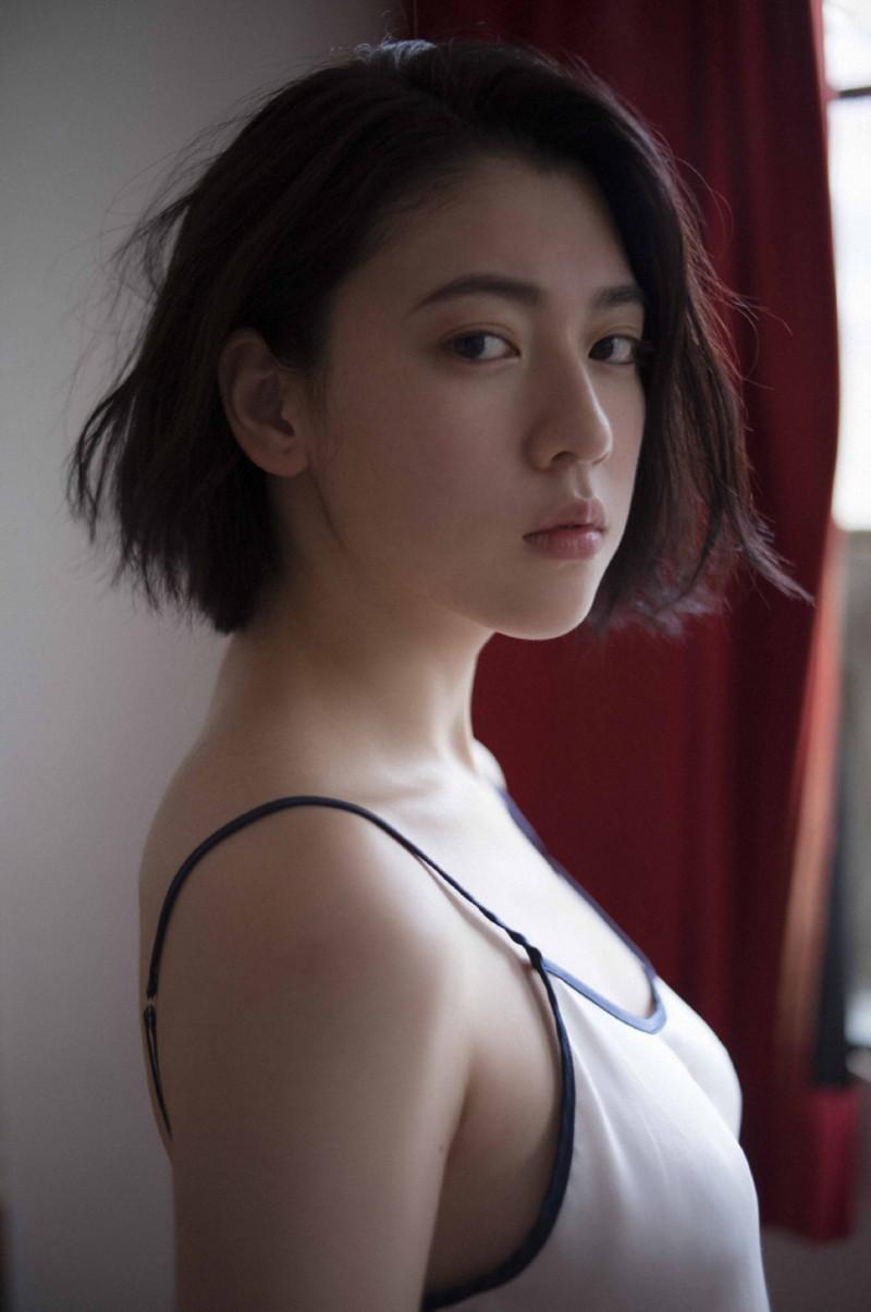 【波多野结衣】三吉彩花
